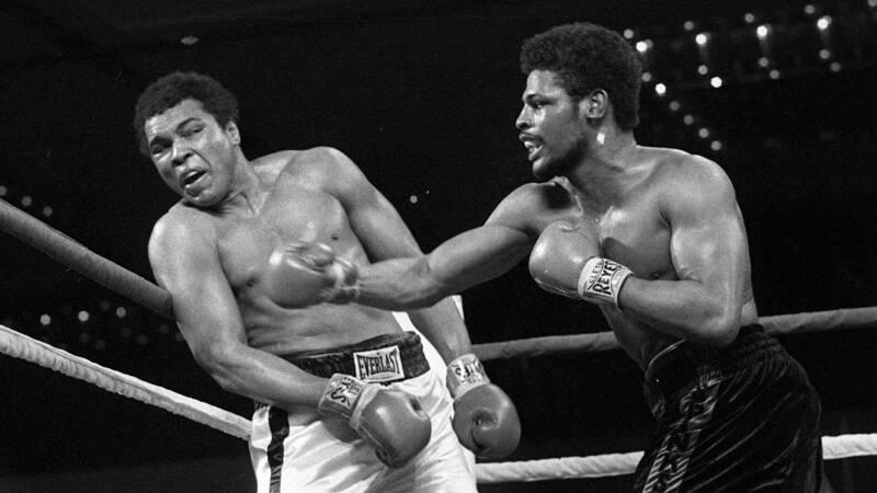 Leon Spinks, een van de vijf die Muhammad Ali versloegen, overleden - NOS