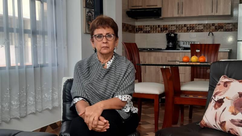 'Ze zeiden dat mijn zoontje dood was, maar hij bleek geadopteerd' - NOS