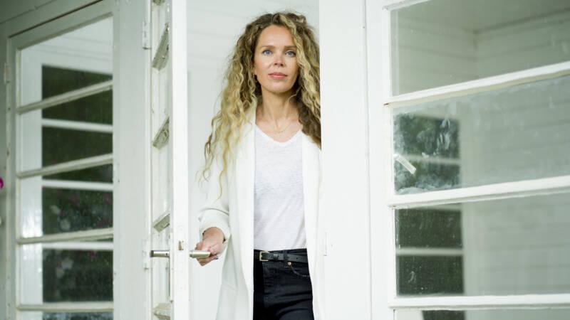 Schrijver Roxane van Iperen houdt 4 mei-voordracht in plaats van Abdelkader Benali - NOS