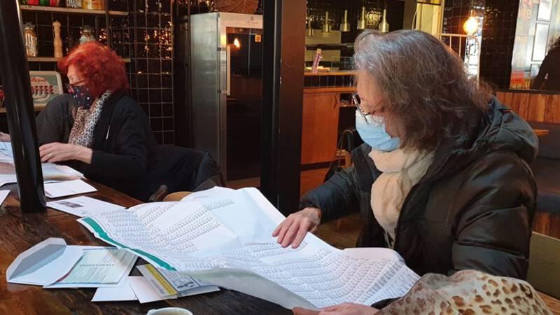Proef met poststemmen in Den Haag: meer dan de helft ongeldig - NOS