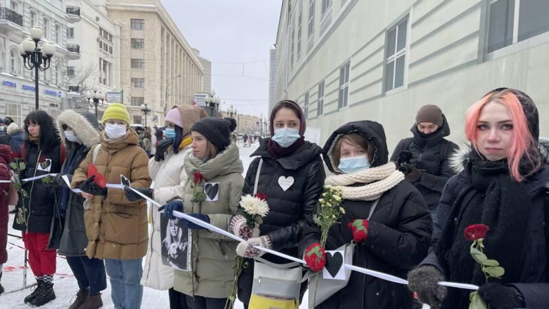 Russische Valentijn-steunbetuiging voor Navalny: 'Liefde sterker dan angst' - NOS