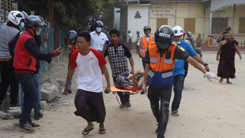 Twee betogers in Myanmar gedood door politiekogels - NOS
