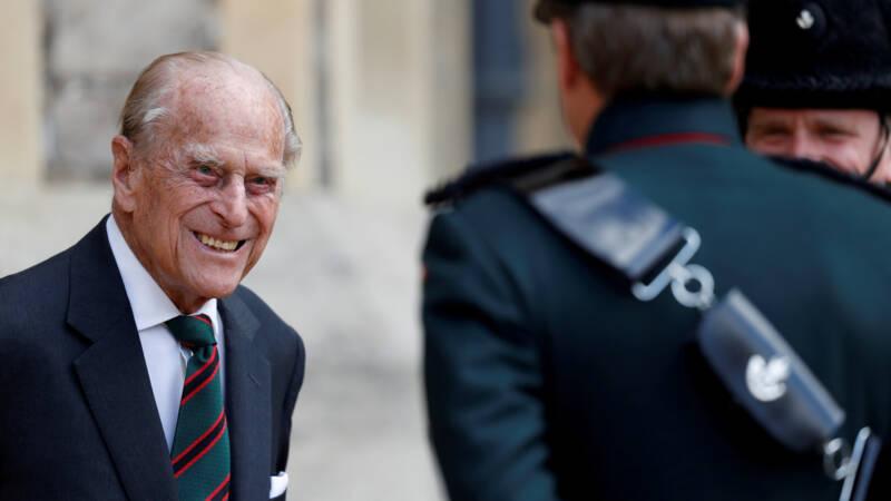 Britse prins Philip heeft infectie, maar maakt het goed - NOS