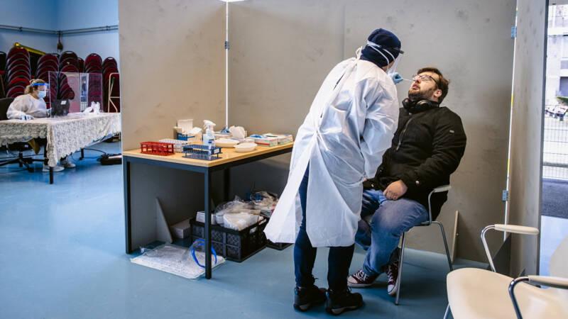 4993 nieuwe besmettingen, gemiddelde stijging zet onverminderd door - NOS