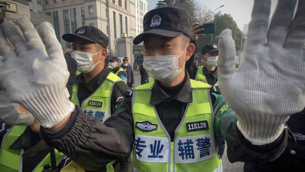 Correspondenten: China gebruikt coronabeperkingen om ons kort te houden