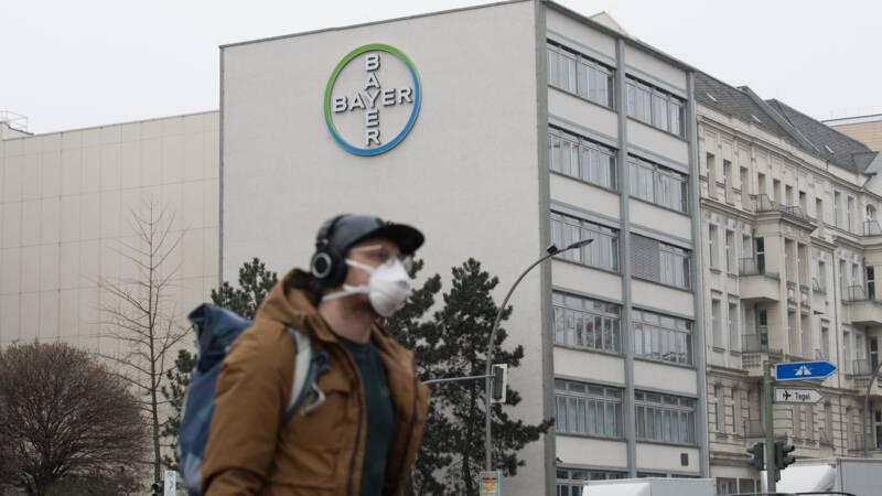 1700 vrouwen stellen Bayer aansprakelijk voor letsel door sterilisatieveertje - NOS