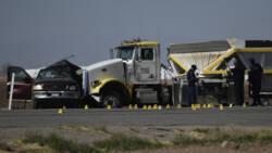 Zeker 13 doden in Californië na botsing tussen truck en SUV met 25 inzittenden.