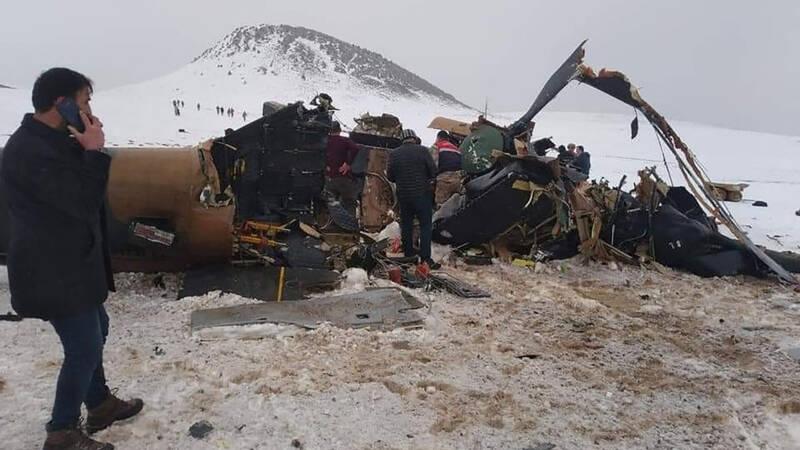 11 doden bij crash legerhelikopter in oosten Turkije - NOS
