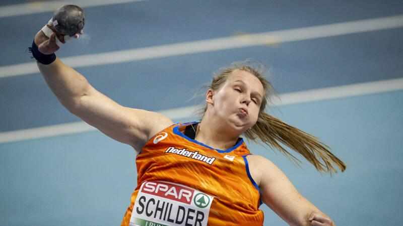 Kogelstootster Schilder pakt olympisch startbewijs, bizarre val Koster - NOS
