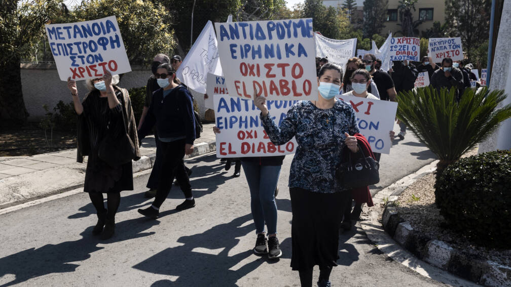Bekijk details van Gelovige Cyprioten demonstreren tegen 'duivelse' inzending voor Songfestival
