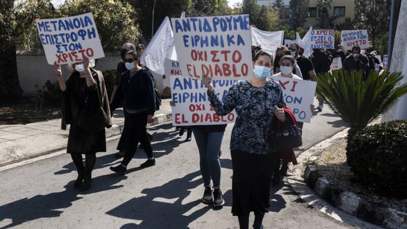 Gelovige Cyprioten demonstreren tegen 'duivelse' inzending voor Songfestival - NOS