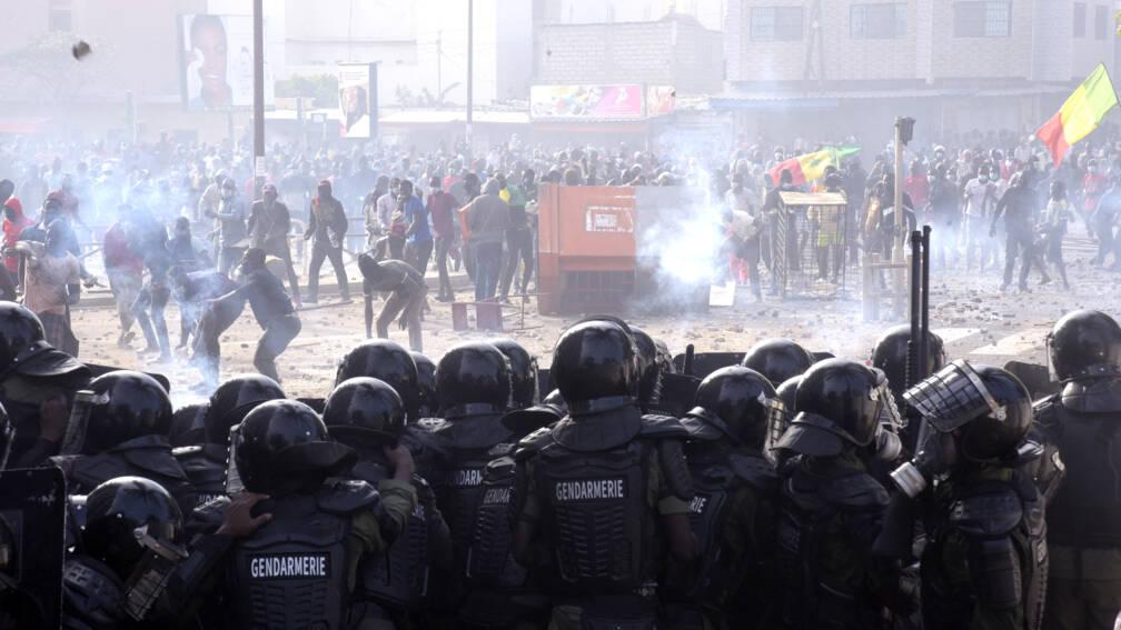 Bekijk details van Onrust in Senegal na arrestatie oppositieleider, vijf doden bij demonstraties
