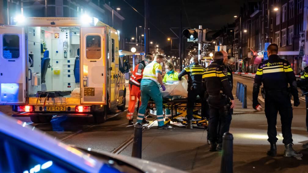 Bekijk details van Twee gewonden bij steekpartij in Rotterdam