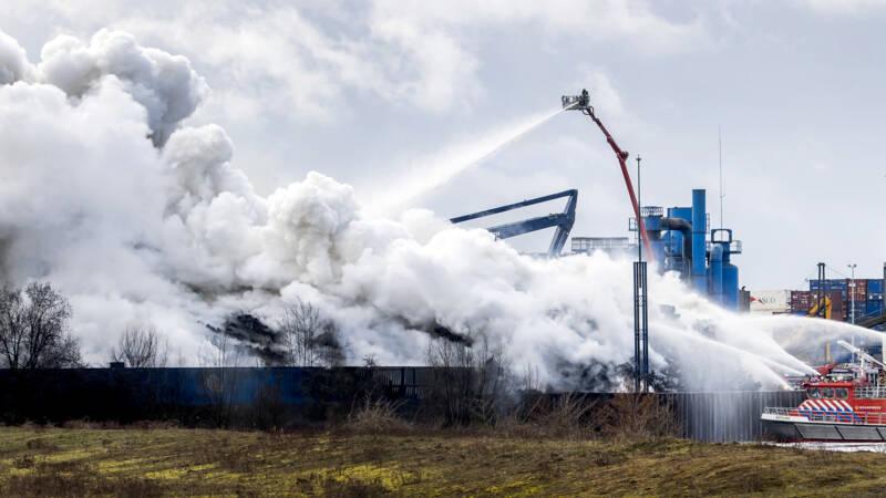 Brand bij schrootverwerker Den Bosch zo goed als uit - NOS