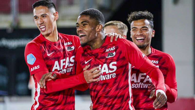 Drie eigen goals doen het prachtige voetbal van AZ tegen Twente bijna vergeten - NOS