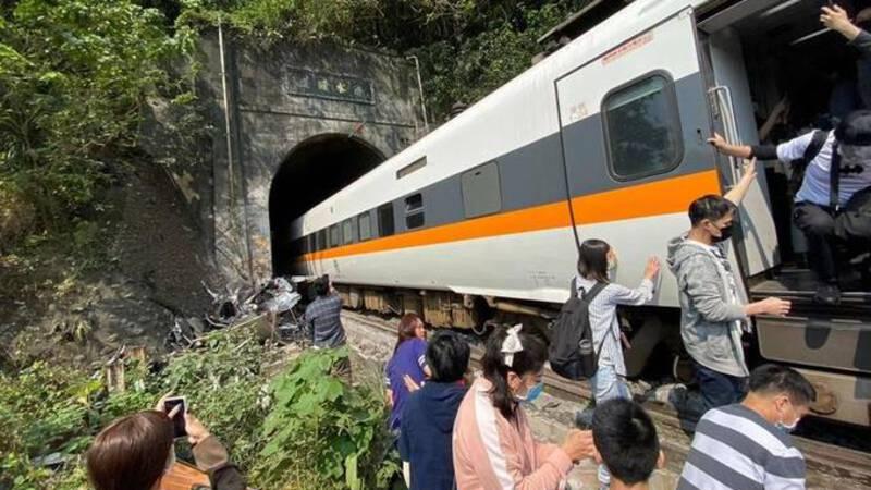 Treinongeluk Taiwan eist tientallen levens
