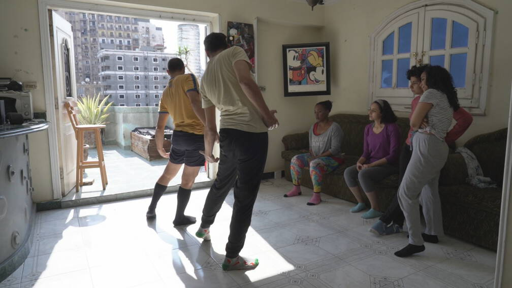 Bekijk details van Praten over seks, politiek en andere taboes: Arabieren voelen zich vrij op Clubhouse
