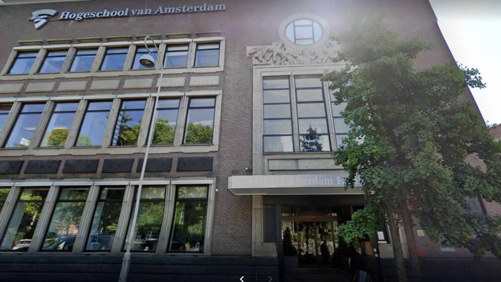 Bekijk details van Studenten eisen vertrek directeur en hoofddocent mode-instituut Amfi