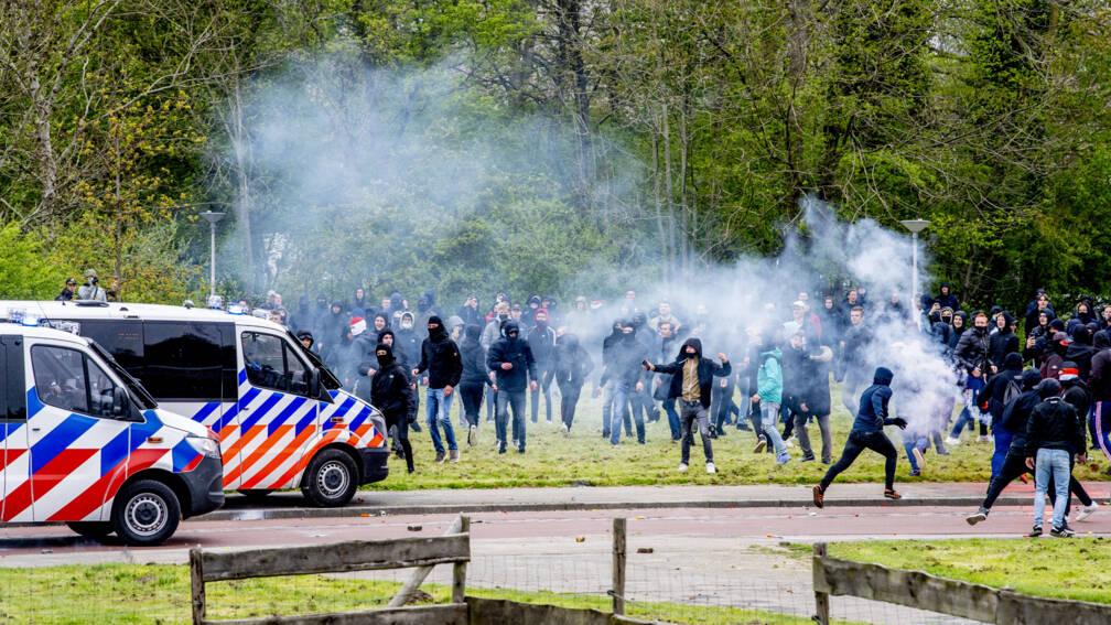 Bekijk details van Rotterdam probeert via rechter politiestaking tijdens Klassieker te voorkomen