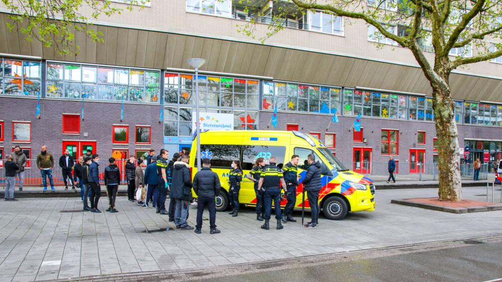 Bekijk details van Drie jongens in Rotterdam gewond door afsteken zwaar vuurwerk