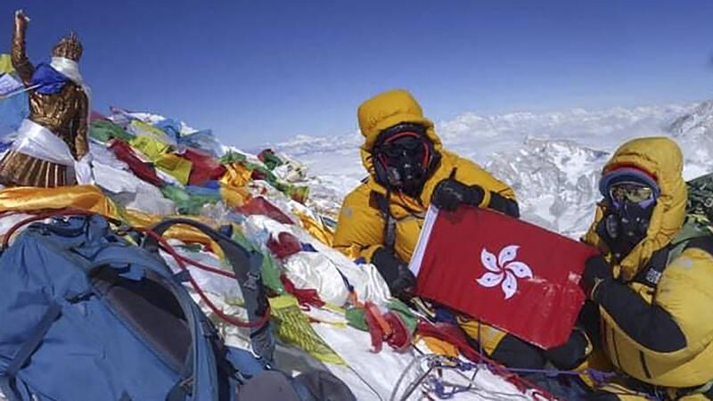 Goed weer op Mount Everest en het regent records