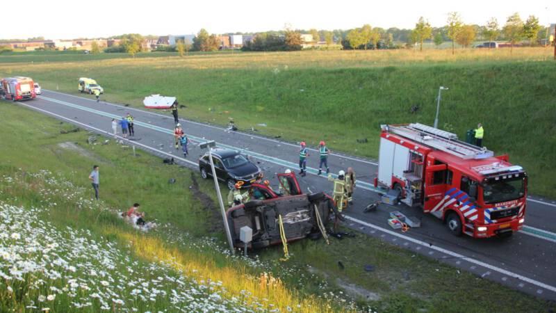 Vier doden en vijf zwaargewonden bij ongeluk met zes auto's bij Borger