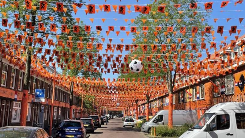 Nederland klaar voor EK, straten kleuren oranje