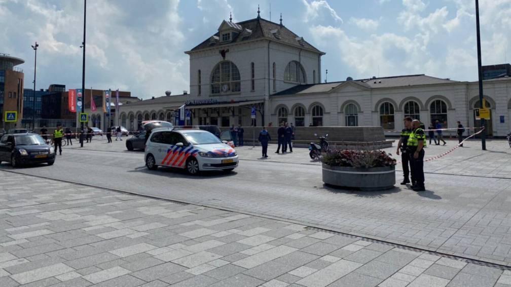 Bekijk details van Zestien jaar cel geëist voor steekpartij bij treinstation Leeuwarden