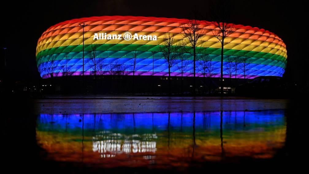 Bekijk details van Toch regenboogkleuren in München: stad, bedrijven en politie doen mee