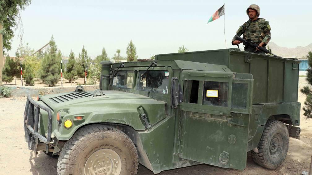 Bekijk details van Avondklok in Afghanistan in strijd tegen Taliban