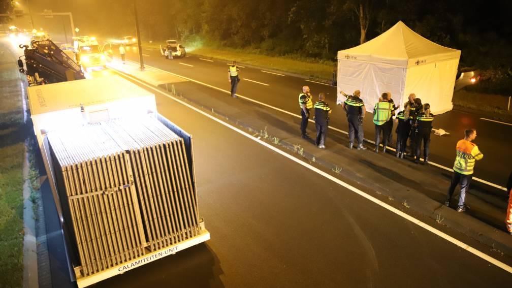 Bekijk details van Dodelijk ongeluk op N440 bij Wassenaar, 'slachtoffer liep op rijbaan'