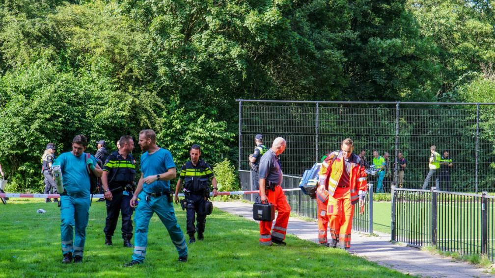 Bekijk details van Jongen van 15 doodgestoken in Rotterdam