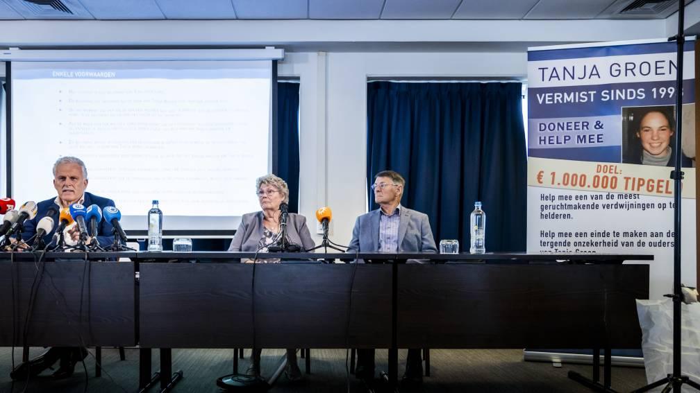 Bekijk details van Stille tocht voor Tanja Groen op dag van verdwijning, ode aan inzet Peter R. De Vries