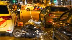 Duo op scooter gewond na aanrijding door bestuurder politieauto Eindhoven.