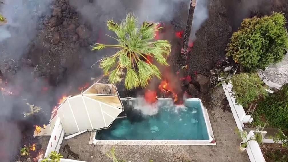 Bekijk details van In beeld: de lava blijft stromen op La Palma