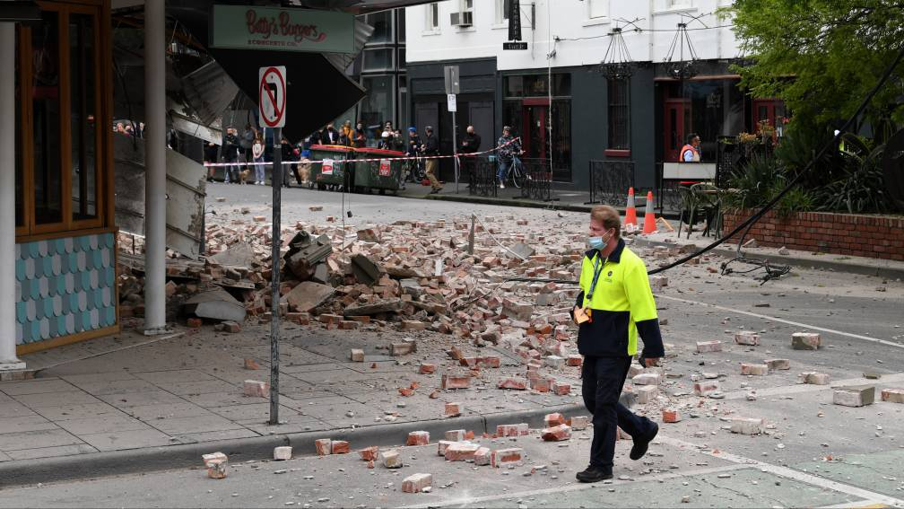 Bekijk details van Schade aan gebouwen in Melbourne door 'zeldzame' aardbeving