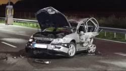 Drie gewonden bij nachtelijk ongeluk op A67, andere betrokkenen nemen de benen.