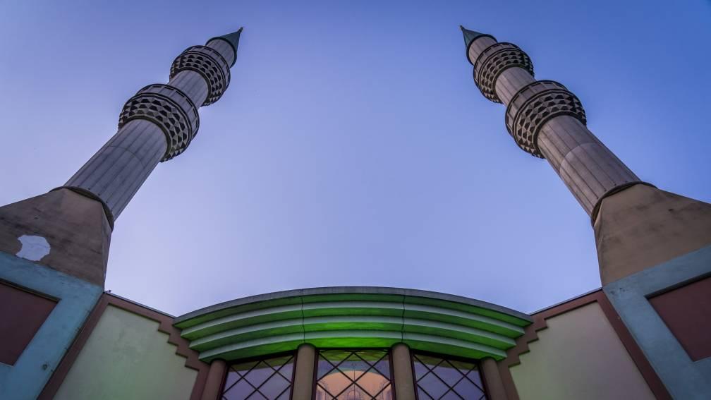 Bekijk details van Gemeenten ontkennen undercoveracties in moskeeën